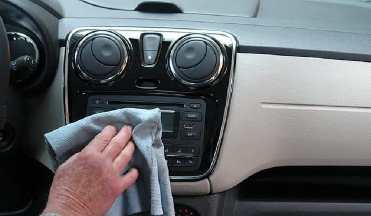 clean your car interior