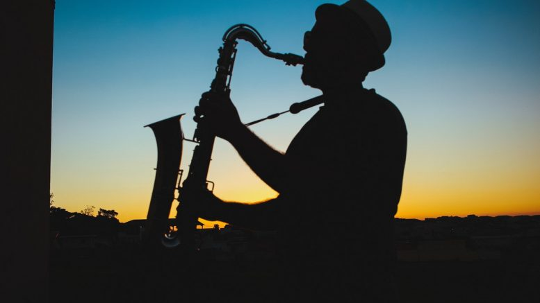 BENEFITS OF LISTENING TO JAZZ MUSIC