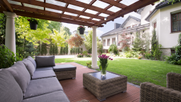 How to choose the best patio enclosure